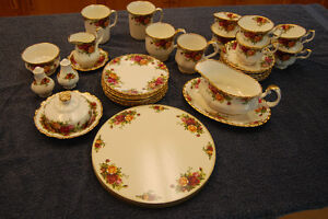 Royal Albert – Old Country Rose Fine China - Excellent Condition