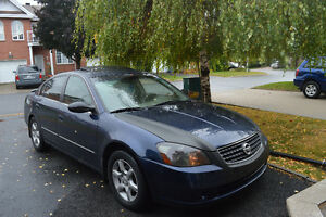 2005 Nissan Altima 2.5SL Sedan With Winter Tires 3950.00$ NEGO