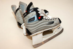 Bauer kids TUUK Custom ice hockey skates.