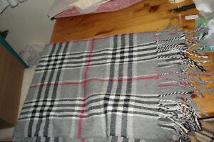 GRAY BURBERRY LARGE SHAWL Oakville / Halton Region Toronto (GTA) image 1
