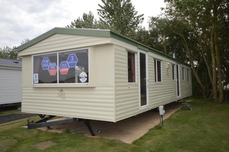 Static Caravan Lowestoft Suffolk 3 Bedrooms 8 Berth Atlas Oasis 2004 Broadland