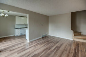 Renovated 2 Bedroom Townhouse in Mayland Heights!