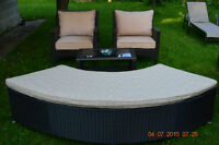 BEAUTIFUL PATIO RESIN / WICKER SET WITH BENCH