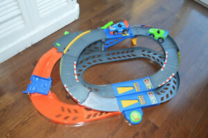 Large toy car race track