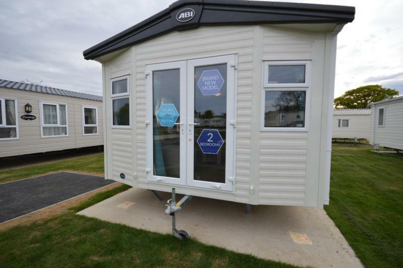 Static Caravan Nr Clacton-On-Sea Essex 2 Bedrooms 6 Berth ABI Oakley 2017