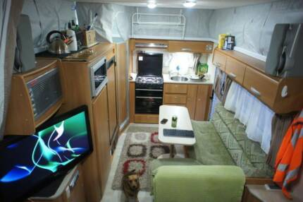 2009 Jayco Sterling POP TOP 17ft Toilet/Shower Double bed
