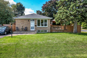 Detached bungalow for sale Whitby!