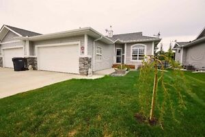 Adult Bungalow, Country Living with City Amenities - OPEN HOUSE