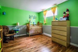 Pose de plancher et mur bois grange