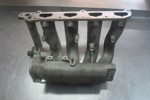 1999 Saturn S Series Intake Manifold with Fuel Rail/Injectors