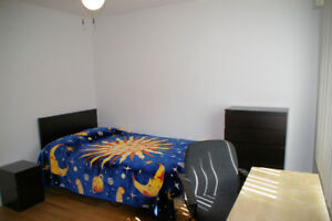 Room for rent • May • Downtown Hull • $550