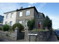 2 bedroom flat in Clare Road, Cotham, Bristol, BS6 5TB