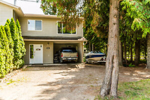 501 Spruce Street, Sicamous- Central Location!