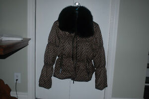 Tommy Hilfiger Down Filled Jacket / Genuine Fox Collar NEGO West Island Greater Montréal image 1