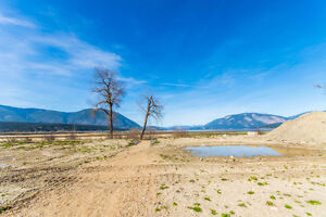 49 - 59 601 Beatty Ave, NW Salmon Arm- Water Front Building LOTS