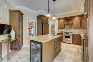 Kitchen cabinets, granite counter tops & granite dinette\chairs