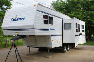 2001 Dutchman Lite 24ft 5th wheel Camper