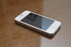 16GB WHITE Iphone 4S locked with Rogers