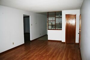 Donovan - Hennessey and Mclauglin Area ( 2 bedroom and 1 bedroom