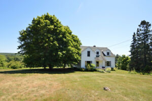 Beautiful 2 Story WATERFRONT Home in Cambridge Narrows