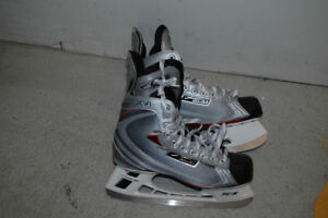BAUER VAPOUR XVI; SIZE 9 – NEW/NEVER USED