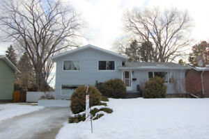 1700+ sq ft in Desirable PARKVIEW