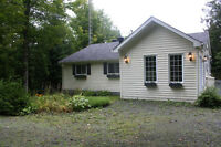 5 1-2 FOR RENT NICE HOUSE MAGOG LAKE