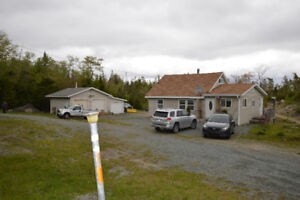 2 BED PLUS HOBBY ROOM , TRIPLE DETACHED GARAGE, 3.40 ACRES
