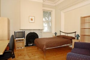 SUMMER ACCOM - FURNISHED DBLE / TWIN SPLIT ROOMS DISCOUNTED RATES Carlton Melbourne City Preview