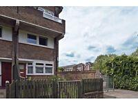 5 bedroom flat in Paynes Walk, London, W68
