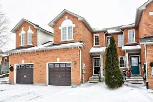 Gorgeous 3 Br 2 Full Bath Townhouse For Rent In Central Barrie