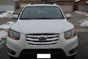 2010 Hyundai Santa Fe Limited AWD SUV. Clean Well Maintained