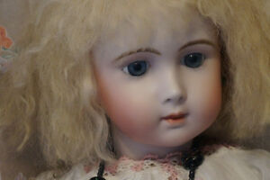 Elaine Penn's Estate Doll Collection Sale Market Mall Oct 17 -23