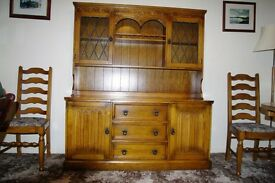 Traditional style Dining Room Bureau
