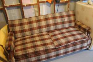 10$ - Men cave hide-a-bed-couch