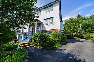 NEW PRICE! EXECUTIVE SEMI IN BEDFORD NEAR PAPERMILL LAKE!