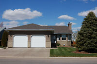 Beautiful 6 bedroom home in Taber (4709-60 Avenue)