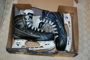Size 13D Youth Bauer Supreme 190 skates.