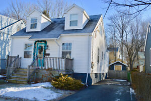 Charming 3 Bed/2 Bath Home in West End Halifax