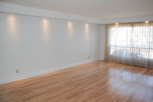$1450 Spacious 5 1/2 house for rent in Ville St-Laurent!