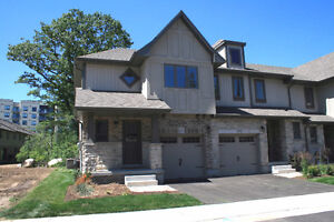 END UNIT-TOWNHOME FOR LEASE!