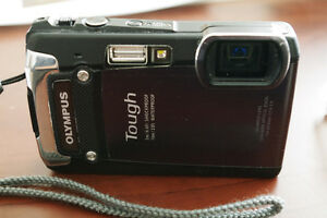 Olympus Tough TG-820 Waterproof Camera (12MP & 1080P video)