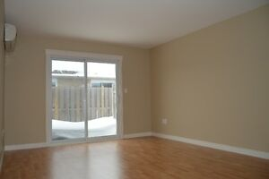 Kincardine NO STAIRS Central location 1 Bedroom