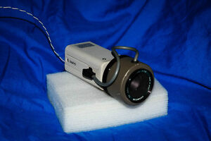 Various home security surveillance cameras and accessories Cambridge Kitchener Area image 3