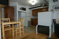 Limestone Studio Fully Furnished $650 wkly $1550 monthly