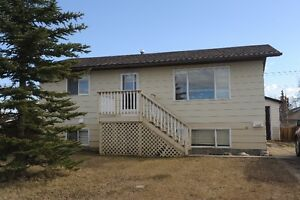 2 STORY HOME PERFECT FOR WORK CREWS!! ALL INCLUSIVE!!
