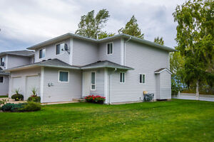11 2951 11th Ave, NE Salmon Arm - Immaculate Townhouse