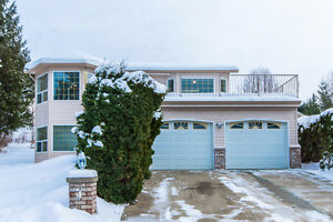 4 2592 Alpen Paradies Rd, Blind Bay - Lovely Quality Built Home