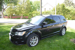 2011 Dodge Journey R/T - FULLY LOADED - Certified and E-tested!!