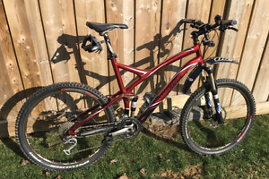 Mens 27 speed Specialized Stumpjumper Full Suspension bike